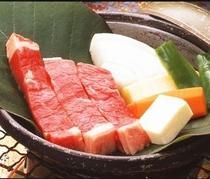 和風ステーキは陶板で焼いてお召し上がり下さい。