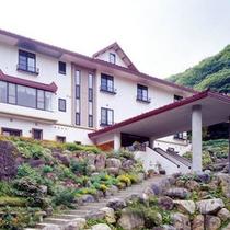 *外観/尾瀬の麓、戸倉温泉郷に佇む温泉宿です。