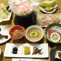 *【夕食/一例】季節の素材を使った和食膳をお召し上がりください。