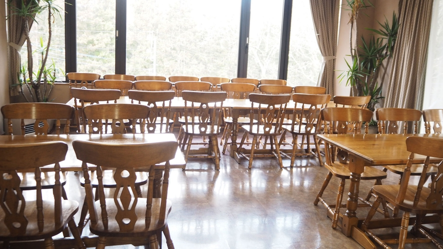 *食事処/お食事はこちらでお召し上がりくださいませ。団体様でも利用できます。