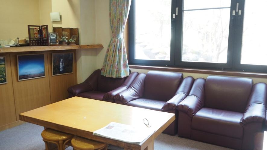 *ロビー/尾瀬観光が終わり、お部屋にチェックインする間などゆったりお過ごしください。