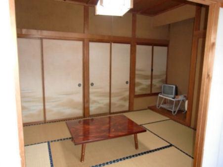 和室6畳(トイレ付き)