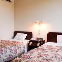 【ツイン】ゆったり快適な120cmセミダブルサイズのベッドです。