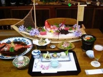 旬の魚を使った船もり、金目鯛の姿煮など全10品