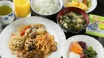 【無料朝食一例】手作りおふくろの味!和食中心のバイキングをご用意