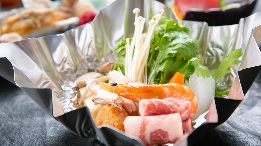 【ご夕食一例】旬の農産物をたっぷり使用した会席コースです。宮崎の海の幸山の幸を存分にご堪能ください