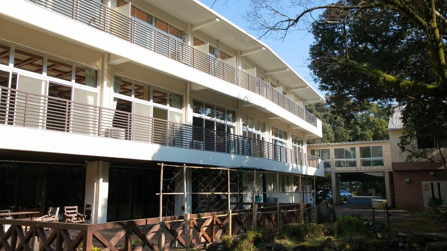 【施設】当宿は自然豊かな町「綾町」に佇む公共宿でございます。