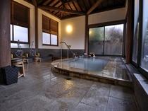 名泉霧島単純硫黄泉 肌にも優しく 様々な効能があります。