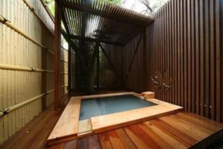 東棟客室露天風呂(一例)