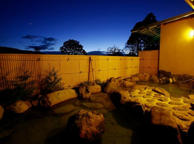 大浴場・露天風呂夜景