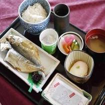 *朝食は洋食または和食から選べます(和食一例)