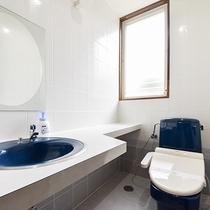 *部屋(コテージ・シングル2.ツイン1)/洗浄機付のトイレ