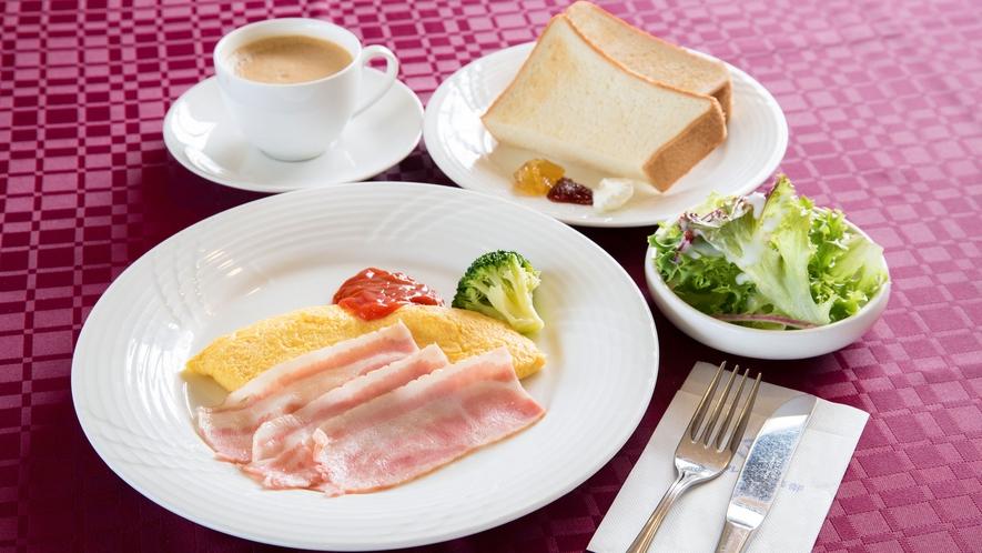 *朝食/パンやコーヒーなどの軽食のご用意がございます。