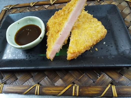 『平日限定2食付』 もち豚ステーキ+厚切りハムカツor   揚げたて牡蠣フライ ※朝食無しに変更可