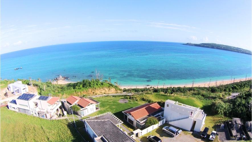 海を眺める高台にたたずむ宿