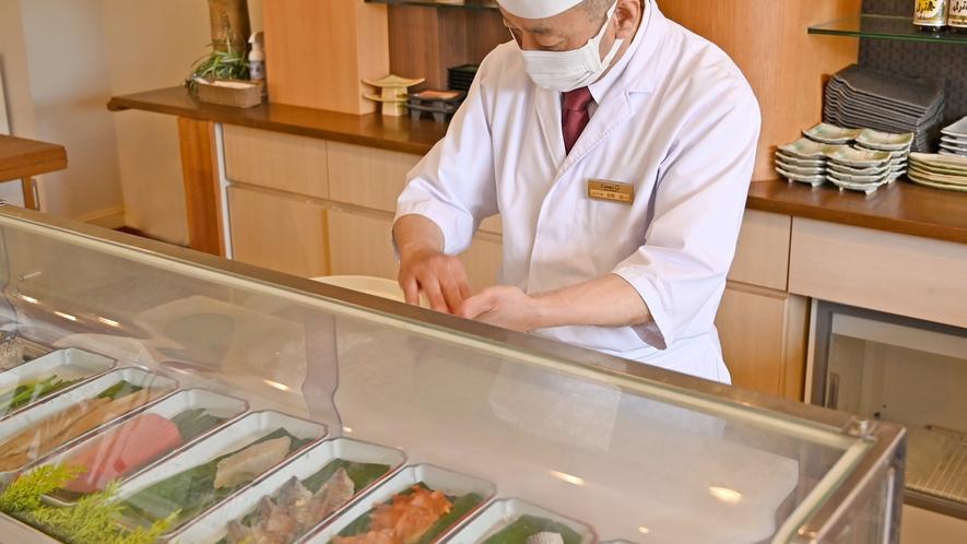房総寿司会席コースは職人が目の前で握る本格寿司をお楽しみ頂けます。