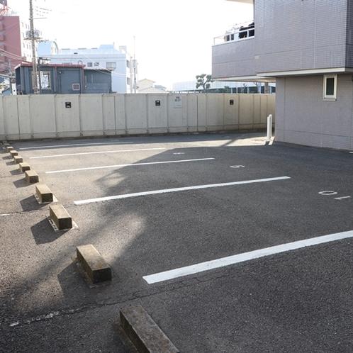 無料駐車場12台分有り(要予約)