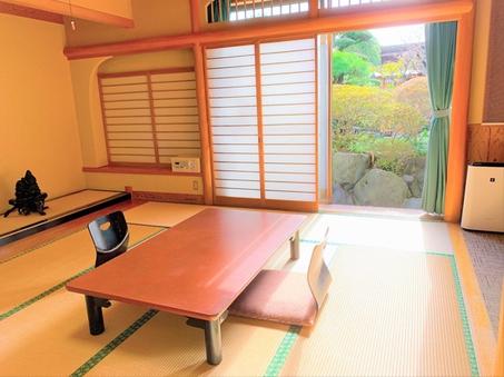 12畳の和室+温泉内風呂 1階客室 〜嘉祥104〜