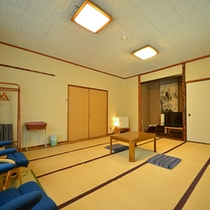【客室一例:和室】6畳~8畳のお部屋をご予約人数に合わせてご用意させていただきます。(写真は15畳)
