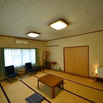 【客室一例:和室】温泉に浸かった後は、畳のお部屋でのんびりとお寛ぎ下さい…