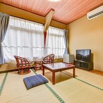 *【客室一例:おまかせ和室】木のぬくもりを感じる温かみのある和室です。