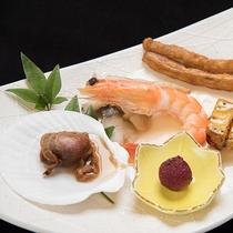*【夕食一例:前菜】ボリューム満点の夕食は口コミでも高評価をいただいております。