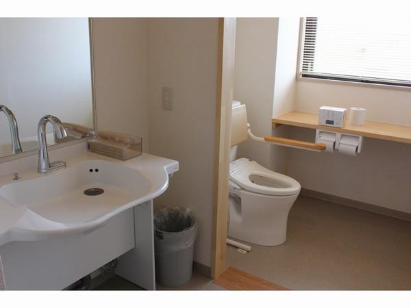 2F車椅子対応トイレ