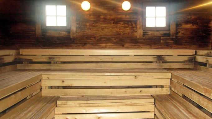 【炭火焼】部屋食プラン 茅葺き屋根のお宿〜「かるかや」〜1泊2食付 囲炉裏を囲んで団らんを♪