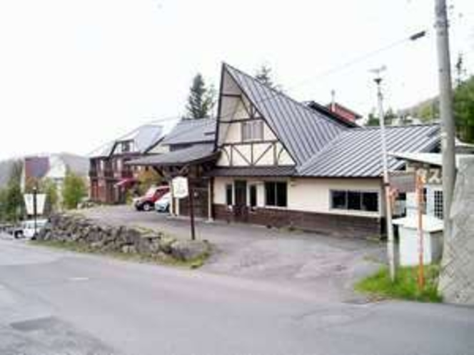 山小屋風の建物