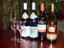 初心者にも飲みやすい白、赤ワイン