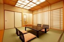 【和室】10畳の広々和室 ご家族のご利用にピッタリ♪