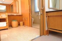 【セミスイートルーム5F】バリアフリー対応客室です。