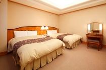 【セミスイートルーム5F】ベッドのマットレスはシモンズ社製採用です☆