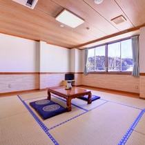 *本館和室10畳(客室一例)/小鳥の囀りをBGMにゆったりとした休日をお過ごしください。