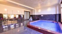 *大浴場/沢山からだを動かした後は、温かい湯船に浸かり心身共にリフレッシュ!ごゆっくりお寛ぎ下さい。