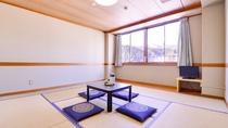 *本館和室8畳(客室一例)/丹波の美しい自然に囲まれたリゾートで過ごす休日を満喫下さい。