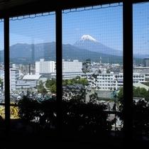 ■男性大浴場から見える富士山