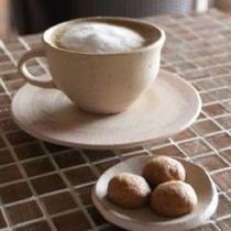 にじCafeでおいしいカフェラテタイム♪
