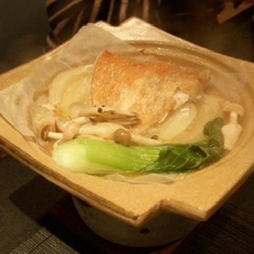 地魚 金目鯛の陶板蒸し