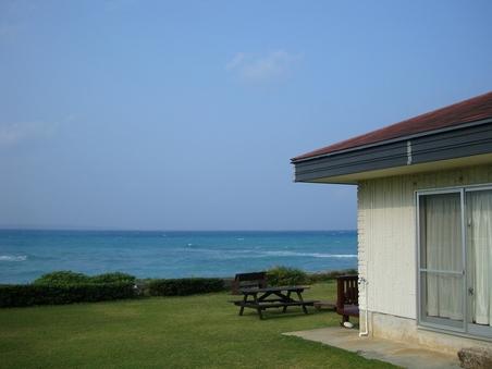 お部屋から海が見える ツインベッドルーム