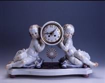 時計を持つ子供たち
