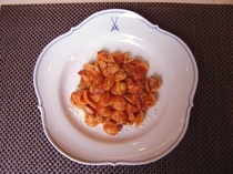 ベーコン&スカモルツァチーズのトマトソースオレキエッテパスタ