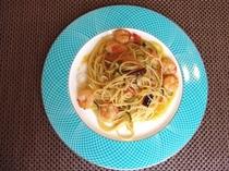 エビと山菜のペペロンチーノ