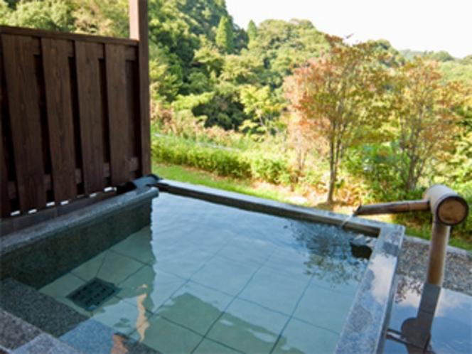 客室「あけび」露天風呂