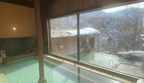 女性用の内湯と雪見露天風呂(2021.1.26)