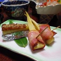 *夕食一例/地産地消を中心に、お肉、お魚、野菜をバランスよく。