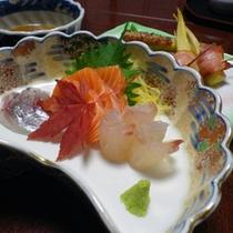 *夕食一例/毎日市場で仕入れるお刺身は新鮮です!