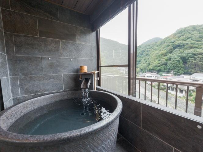 本館 モダン和室10帖+次間【半露天風呂付客室】