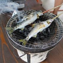 魚を獲ってその場で塩焼きに☆自然体験