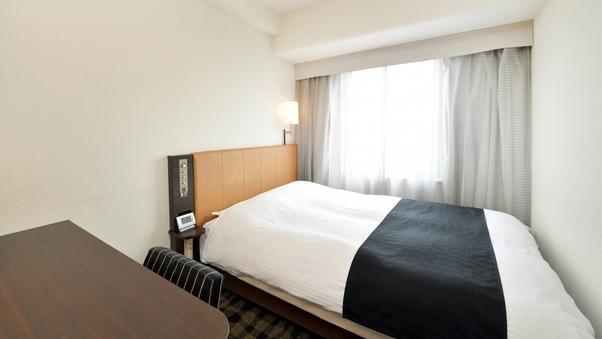 ダブルルーム【禁煙室】10平米/140cm幅ベッド1台